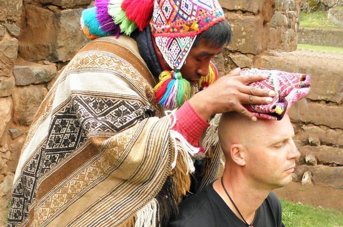 Initiierung durch einen Inka-Meister