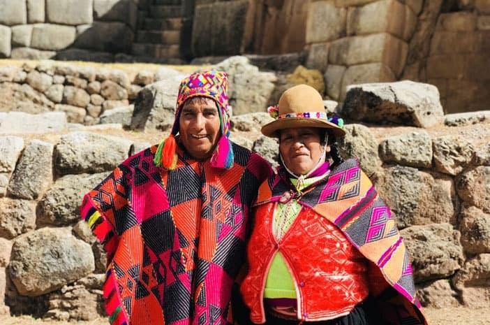 Augustin Machacca und seine Frau arbeiten gemeinsam in schamanischen Ritualen und Zeremonien der Inkas