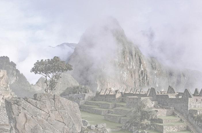 Inka-Meister Francisco Apaza Flores, Schamane, Priester und Heiler, nach einer Despacho-Zeremonie am See von Humantay in den Hochanden