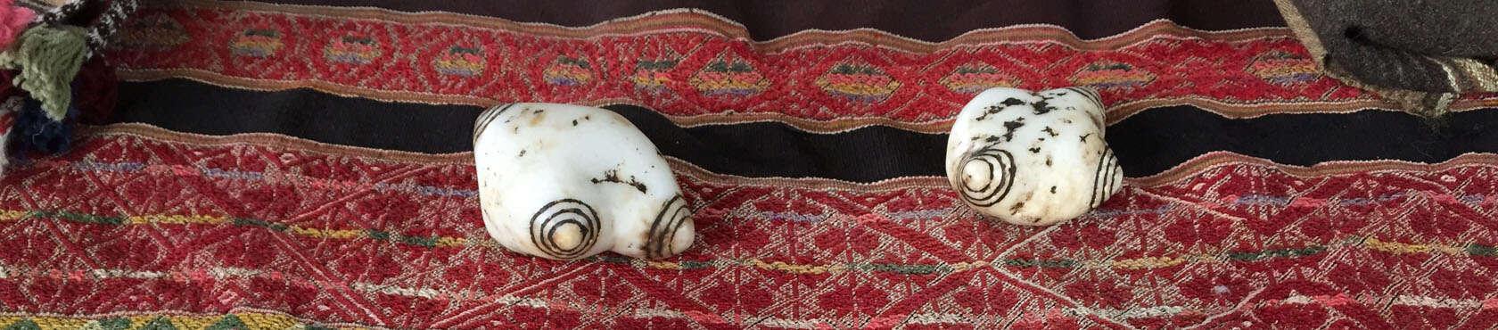 Mullu Khuyas oder Chumpi Steine nutzen die Inkas und die Inka-Meister, um die schamanische Zeremonie Ñawi Kichay und Chumpi Away durchzuführen